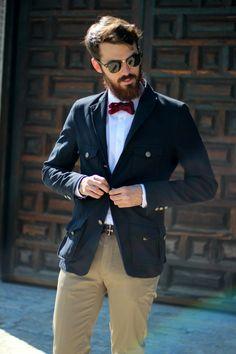 Un look masculino lleno de estilo Hipster Man, Hipster Fashion, Mens Fashion, Beard Love, Man Beard, Casual Wear, Men Casual, Great Beards, Business Casual Men