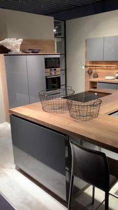 Kitchen Room Design, Luxury Kitchen Design, Kitchen Cabinet Design, Home Decor Kitchen, Kitchen Layout, Interior Design Kitchen, Kitchen Ideas, Industrial Kitchen Design, Diy Kitchen