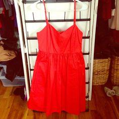 Gap Sweetheart Dress with Side Pockets Side Pockets. Never worn. Zipper on side. Dress is lined. GAP Dresses