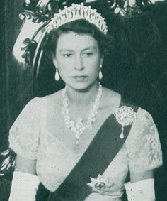 The Tudors Wiki—Cambridge Lovers Knot was worn by Her Majesty early on in her reign.