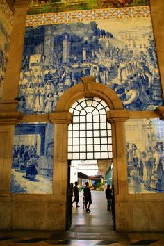 Porto, Estação de São Bento, Portugal  PicadoTur - Consultoria em Viagens   picadotur@gmail.com    (13) 98153-4577   Quer viajar? Procure a PICADOTUR!