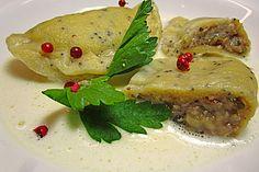 Mohn - Ravioli mit Walnuss - Mandel - Käse - Füllung - als Vorspeise?