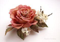 Брошь Роза с ванильными цветочками. | Аксессуары - авторская работа на Uniqhand