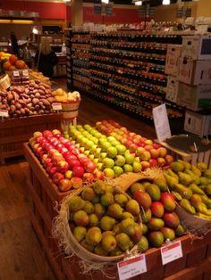 Fall produce display at Dean's Natural Food Market Basking Ridge, NJ