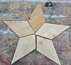 Patchwork Stars - Easy DIY from Rockwell Tools Patchwork stars (Rockwell) 4 Diy Projects To Sell, Small Wood Projects, Scrap Wood Projects, Woodworking Projects Diy, Woodworking Desk, Woodworking Machinery, Pallet Projects, Wooden Crafts, Wooden Diy