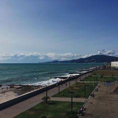 K A R I N A 🇦🇲 в Instagram: «Как это купаться нельзя? А че я сюда приехала то?» Mountains, Beach, Water, Travel, Outdoor, Gripe Water, Outdoors, Viajes, Seaside