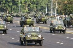 Cuban Army jeeps leading a military procession 16 April Cuban Army, Armored Vehicles, Cold War, Armed Forces, Revolutionaries, Warfare, South Africa, Jeeps, Soldiers