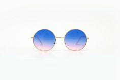 Óculos redondo com lente degradê azul