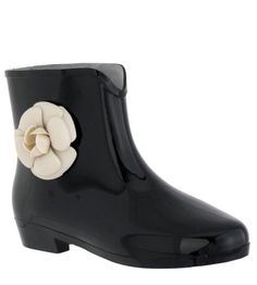 Capelli New York Opaque With Flower Ladies Mademoiselle Bootie Jelly Rain Boot Black 6