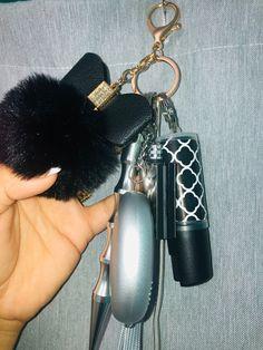 Mens Keychains, Cute Keychain, Easter Gift Bags, Self Defense Keychain, Self Defense Women, Girly Car, Cute Car Accessories, Car Gadgets, Cute Cars