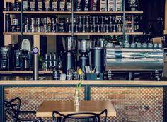 Kontuar w palarni kawy Qualia Caffe w Szczecinie