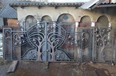 Gate Design, Door Design, Gates, Outdoor Kitchen Grill, Wrought Iron Fences, Main Gate, Metal Art, Home Art, Metal Working
