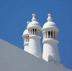 Chaminés, Algarve, Portugal Algarve, Albufeira Portugal, Portugal Vacation, Vernacular Architecture, Moorish, Beautiful Beaches, Portuguese, Taj Mahal, New Homes