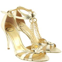 Pre-owned Sandals with chain ($215) ❤ liked on Polyvore featuring shoes, sandals, gold, polish shoes, chain sandals, genuine leather shoes, chain shoes and just cavalli shoes