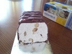 Dolcetto ai semi di sesamo macinati e mandorle con cioccolato fondente di copertura. Preso alla Lidl!! Buonissimo. Stra consigliato!!! #settimanadellagrecia #grecia #lidl #cibo #food #buonissimo