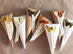 Bolsita de papel y mariposas en Manualidades para la decoración, regalos y complementos en bodas y enlaces