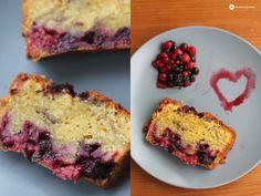 Heute gibt's einen ruckizucki Sonntagskuchen mit leckerem Teig: Beeren Crème Fraîche Kastenkuchen! Super lecker und ganz einfach gemacht!