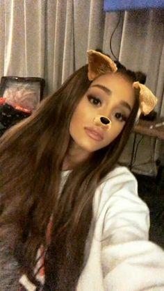 Ariana Grande snap