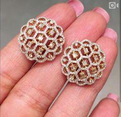 Diamond Necklace Saved by radha reddy garisa Diamond Earrings Indian, Aquamarine Jewelry, Diamond Pendant Necklace, Gold Jewelry, Jewelery, Diamond Stud Earrings, Tikka Jewelry, Vintage Jewelry, Diamond Necklaces