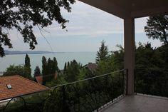Tihany - Gyönyörű balatoni panorámás 2011-ben épült nyaraló - Kód: TNY13. - http://balatonhomes.com/code_TLH13 - Vételár: 49 500 000 Ft.