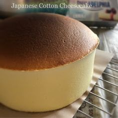My Mind Patch: Japanese Velvety Cheesecake 日式轻乳酪蛋糕 Japanese Jiggly Cheesecake Recipe, Japanese Cotton Cheesecake, Cotton Cake, Japanese Cake, Asian Desserts, Japanese Desserts, Butter Cupcakes, Homemade Sushi, Dessert Cake Recipes