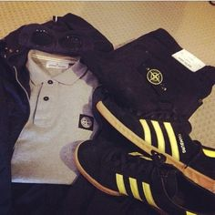 Football Casual Clothing, Football Casuals, Casual Wear, Casual Outfits, Men Casual, Ultras Football, Casual Styles, Stone Island, Bape