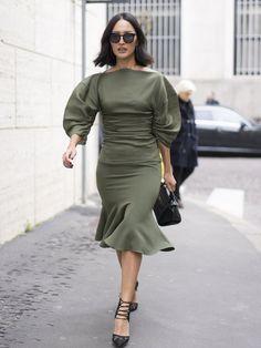 Best Street Style at Milan Fashion Week Fall 2017 | POPSUGAR Fashion Photo 30