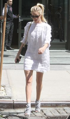She's got it going on: The pretty blonde showed off her enviable pins in the ensemble...