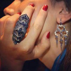 repost @royalcollectionbaku Кольцо Murder She Wrote by Stephen Webster. @italdizain #stephenwebster #luxuryjewellery #couturevoyage #murdershewrote #earrings #ring #diamond #fashion #baku #azerbaijan #royalcollection