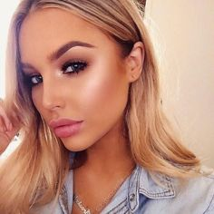 blonde + medium hair / #beauty #hairstyles #makeup