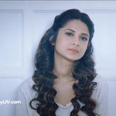 When Jennifer Winget Was Caught Between Maya And Zoya! Angry Girl, Jennifer Winget Beyhadh, Jennifer Love, Beautiful Girl Image, Hollywood Celebrities, Indian Beauty, Bollywood Actress, Girl Pictures, Hair Goals