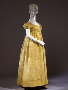 Day dress, c. 1810, Italian. Galleria del Costume di Palazzo Pitti.