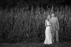 Can you imagine getting married in a cornfield?! The wedding was handmade from the ground up. Quite literally! http://su.pr/2VQPQV