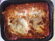 Yep dinner tonight is frozen lasagna. I got home a few hours ago but am completely exhausted.  I will be honest although I worked out and walked a lot in Nashville I didn't do so well with my nutrition. And if I am being even more honest I kind of threw in the towel with my nutrition before I left.  I was super frustrated with not seeing results and although I know it takes time I pretty much said F it. You see since starting my #hashimotos healing journey back in June I have been working…