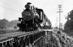 Trecho da linha da Cantareira que cruzava o rio Tietê (1950)