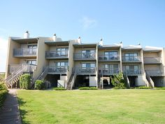 Chapman is a great oceanfront unit in the Quay with amazing views of the pool from both levels and views of the ocean from the top floor. You have direct beach access off the back deck, plus a Community Tennis court right in the area. Relax on one of the four decks or take a short walk to the mall and restaurants. Centrally located in the heart of Nags Head.  There is no grill at this complex. Bed and Bath Linens provided for full week rentals only in 2016. Community Pool open from May 14…