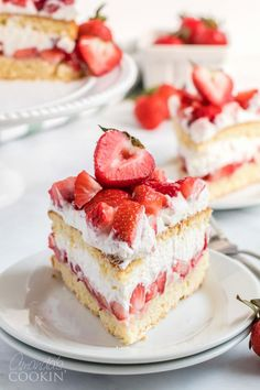 An amazing strawberry shortcake recipe that is perfect for summer celebrations Learn how to make the best strawberry shortcake ever strawberryshortcake strawberryshortcakerecipe strawberrycake strawberrydesserts cakerecipes summerrecipes amandascookin Desserts Ostern, Köstliche Desserts, Dessert Recipes, Easter Desserts, Homemade Strawberry Shortcake, Strawberry Cake Recipes, Strawberry Sauce, Strawberry Yum Yum Recipe, Lemon Strawberry Cake