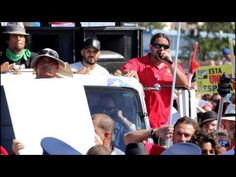 24 de febrero de 2013 -- El grupo PUEDA (Pueblo Unido en Defensa del Aeropuerto) convocó una protesta en los predios del Aeropuerto Internacional Luis Muñoz Marín para manifestarse en contra de la alianza público-privada que busca firmar el Gobierno con la empresa méxicana Aerostar Airport Holdings a 40 años.