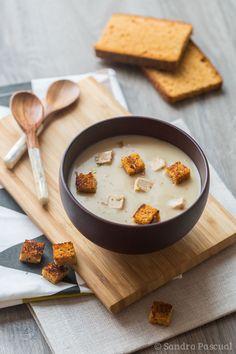 Chestnut Velouté with Foie Gras & Gingerbread Croutons Foie Gras, No Salt Recipes, Soup Recipes, Oyster Recipes, Healthy Breakfast Recipes, Healthy Recipes, Food Inspiration, Love Food, Food Porn