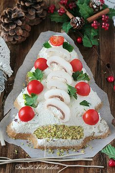 Mexican Christmas, Christmas Dishes, Christmas Time, Holiday Appetizers, Appetizer Recipes, Ricotta Cheese Recipes, Party Finger Foods, Xmas Food, Food Decoration