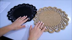 Crochet Bracelet, Crochet Earrings, Get Rid Of Mold, Crochet Dollies, Crochet Table Runner, Table Toppers, Crochet Home, Decoration Table, Doilies