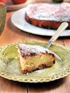 Κέικ με καραμελωμένα μήλα και σοκολάτα γάλακτος #κέικ Cyprus Food, Greek Cooking, Recipe Collection, Soul Food, Banana Bread, French Toast, Cheesecake, Cooking Recipes, Sweets