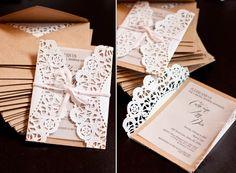 Originales invitaciones de boda con puntilla de papel