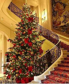 Ritz Hotel in Paris Shabby Chic Christmas Ornaments, Elegant Christmas, Cozy Christmas, Beautiful Christmas, Christmas Time, The Ritz Paris, Christmas Tree Decorations, Holiday Decor, Christmas Interiors