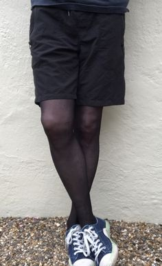 Man in black tights and shorts Opaque Tights, Black Tights, Tights Outfit, Leggings Fashion, Mens Tights, Comfy Pants, Costume, Tight Leggings, Shorts