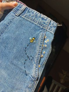 Terrific Free of Charge bumblebee embroidered jean shorts 🐝 Popular I real. - Terrific Free of Charge bumblebee embroidered jean shorts 🐝 Popular I really like Jeans ! And a lot more I love to sew my very own Jeans. Next Jeans Sew Along I am go Embroidery On Clothes, Cute Embroidery, Embroidered Clothes, Diy Embroidered Jeans, Jeans With Embroidery, Embroidery Stitches Tutorial, Hand Embroidery Patterns, Diy Fashion Embroidery, Painted Jeans