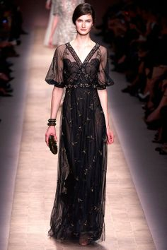 Valentino - Spring 2013  So Sophistacated!  RTW - Click image to find more Women's Fashion Pinterest pins