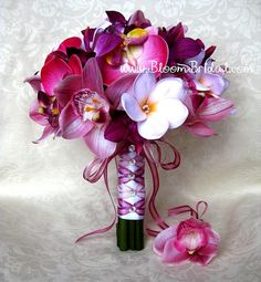 orchid and plumeria bouquet. I know this is a wedding bouquet but I'd use these all over my house Plumeria Bouquet, Orchid Bouquet, Purple Wedding Bouquets, Diy Wedding Bouquet, Bridesmaid Flowers, Bride Bouquets, Wedding Dresses, Fake Flowers, Bridal Flowers