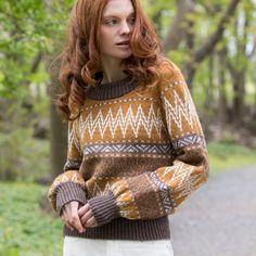 DG415 Høstens fineste retro-favoritter | Dale Garn Turtle Neck, Retro, Knitting, Sweaters, Dresses, Fashion, Brown, Vestidos, Moda