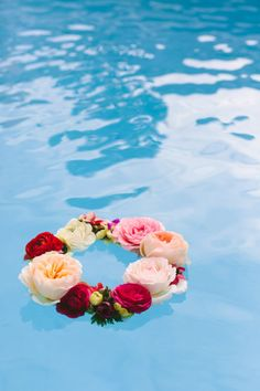 Make This: Geometric Floating Flower Wreath | Paper and Stitch